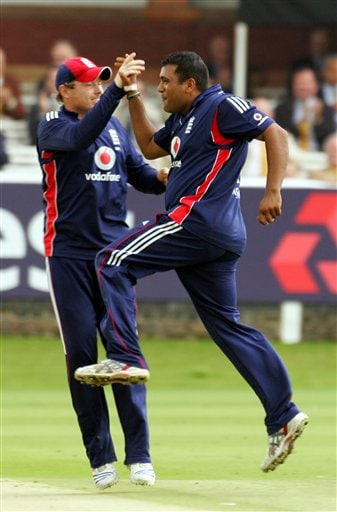 Samit Patel, right, celebrates with Ian Bell after he claims the wicket of South Africa's AB de Villiers during the fourth one-day international at Lord's cricket ground on Sunday Aug 31, 2008.