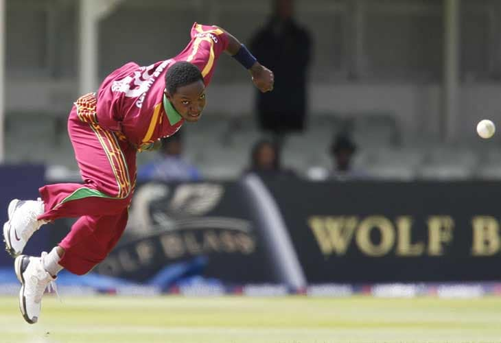 Fidel Edwards in action against England during the third Nat West One-Day International in Birmingham. (AFP Photo)