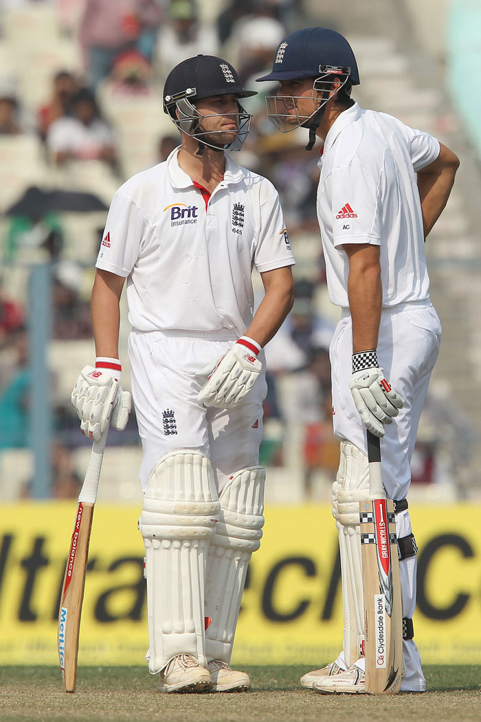 Cook and Trott (87) managed the Indian bowlers with excellent strokeplay and applied themselves to keep the scoreboard ticking. (Image courtesy: BCCI)