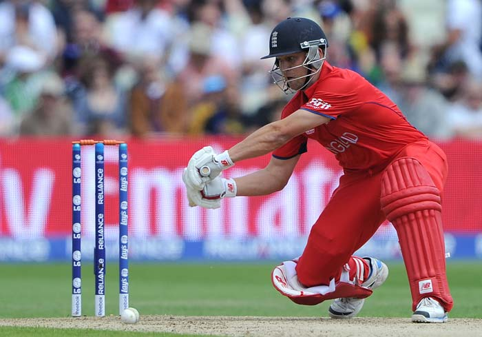 Bell also shared a second-wicket stand of 111 with county colleague Jonathan Trott (43) for the second wicket to set up the platform for the English innings.