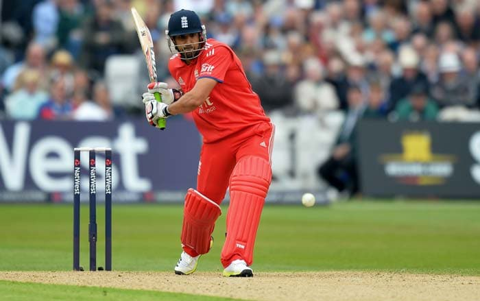 Ravi Bopara justified his place in the England squad with an unbeaten 46. Bopara has come under scrutiny, with many pundits questioning his role in the team.