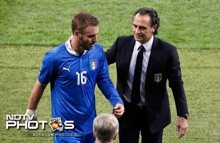 The only concern for Cesare Prandelli was when midfielder Daniele De Rossi and fullback Ignazio Abate left the England match with muscle problems.