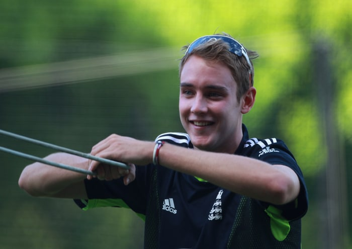 <b>STUART BROAD</b><br><br> <b>Age: </b>24.<br><b>Role: </b>Left-handed batsman, Right-arm fast-medium<br> <b>Stats: </b>ODIs 73, Runs 372, Highest 45no, Average 12.82, Strike-Rate 72.37, Centuries 0, Fifties 0, Catches 17, Wickets 124, Best Bowling 5-23, Average 25.70, Economy Rate 5.15<br><br> Aggressive seamer with the happy knack of taking wickets in the middle overs, he is also a better batsman than raw figures suggest and should be fresh after missing most of the Ashes series with an abdominal strain. Son of former England opener Chris.(Photo: Getty Images)