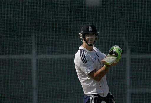 Kevin Pietersen plays with a ball during a practice session in Mumbai on Friday, November 7, 2008. The England team is in India to play seven one-day international and two Test cricket matches against host India beginning Nov 14. (AP Photo)