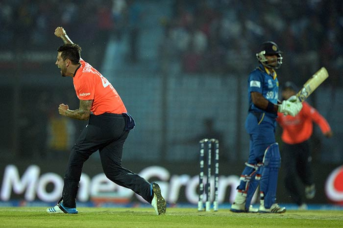 England's Jade Dernbach gave England a great start as he dismissed Sri Lankan opener Kusal Perera in the second over. (All images AFP)