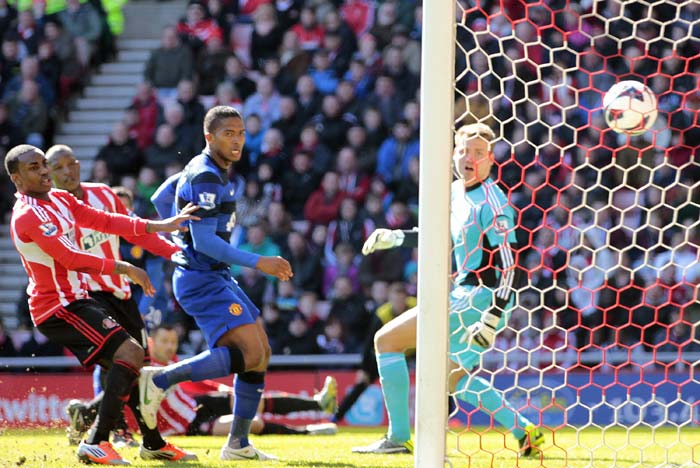 This goal has been credited to Sunderland defender Titus Bramble, who deflected van Persie's shot past his own goalkeeper, Simon Mignolet. United won 1-0.