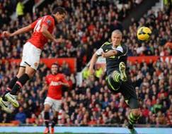Photo : EPL: United fight back, Suarez slays West Brom