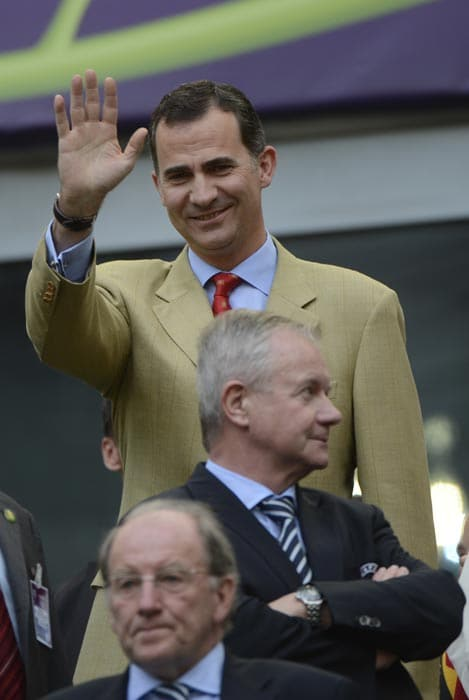 Spain's Prince Felipe waves before the start of the Euro 2012 match between Spain and Italy. (AFP Photo)