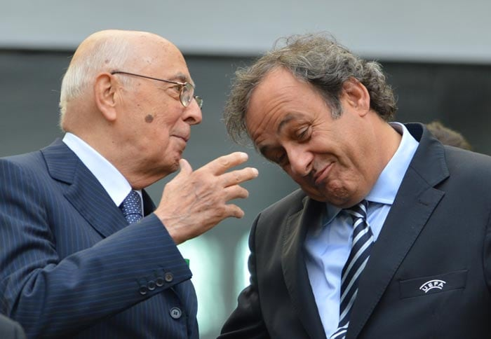 Italy's President Giorgio Napolitano chats with UEFA president Michel Platini during the Euro 2012 championships football match between Spain and Italy. (AFP Photo)