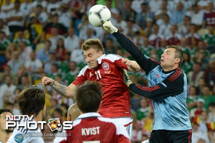 In this crucial clash, both teams had alot to play for. The Danes needed a win to make it to the next round and Germany's aim was to finish with three wins and top their group in the build up to the quarter finals. (AFP Photo)