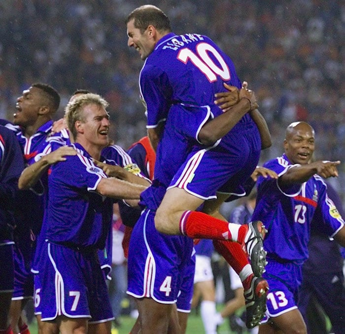 After Delvecchio's strike for Italy, it was France weaving all the magic albeit with no results to show. Sylvain Wiltord tapped in during injury time for the French while substitute David Trezeguet scored a golden goal to hand the 2000 Euro to Les Bleus.