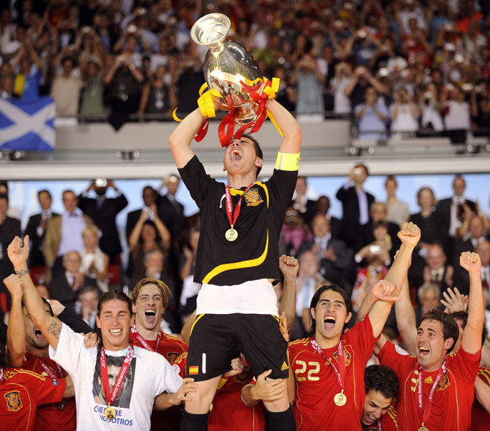 Having won their previous silverware back in 1964 in this very competition, Spain looked to end a long drought against an in form German side in 2008. Xavi was the architect yet again as he found Torres who out muscled a hesitant Philipp Lahm and chipped the ball over a diving Lehmann. Spain had won.