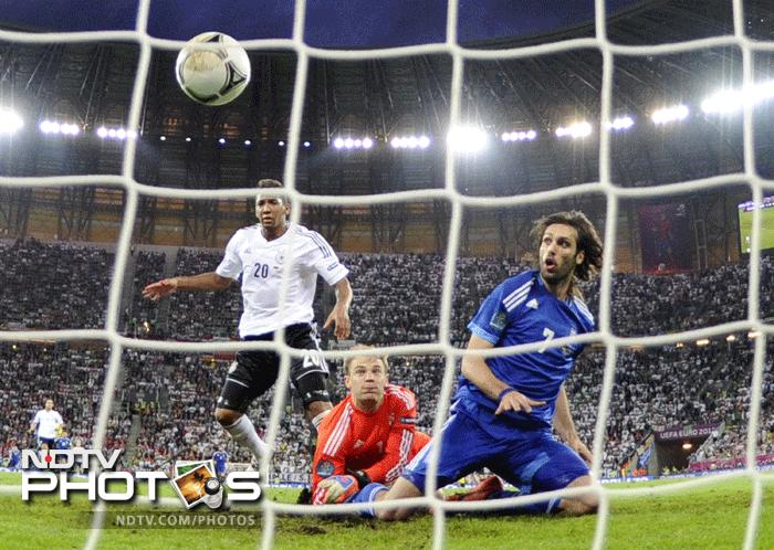Georgios Samaras levelled the scores early in the second half to prove that it would not be a one sided contest. (AFP Photo)