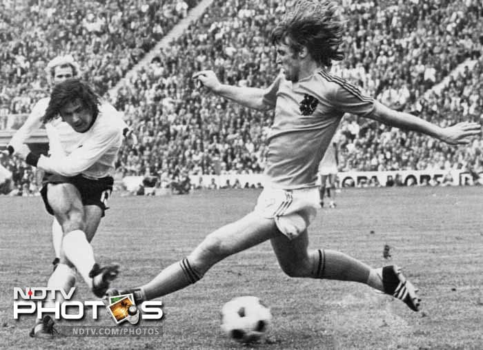 <b>Gerd Muller (West Germany)(1972):</b> Gerd Muller (L) was the one man army in West Germany's strikeforce in 1972 as no team had an answer to him. He was on a goal scoring spree and the Russians had every reason to be wary of him as a threat in the final. Muller, who still holds the record for the highest goals for Germany (68 in 62 matches), smashed seven goals in qualifying and four in the main tournament - two each in the semis and final - to set up West Germany's victory.
