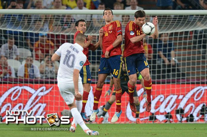 France knew they were up against a tough opponent and decided to attack early on to try and push Spain on the defensive. (AFP Photo)