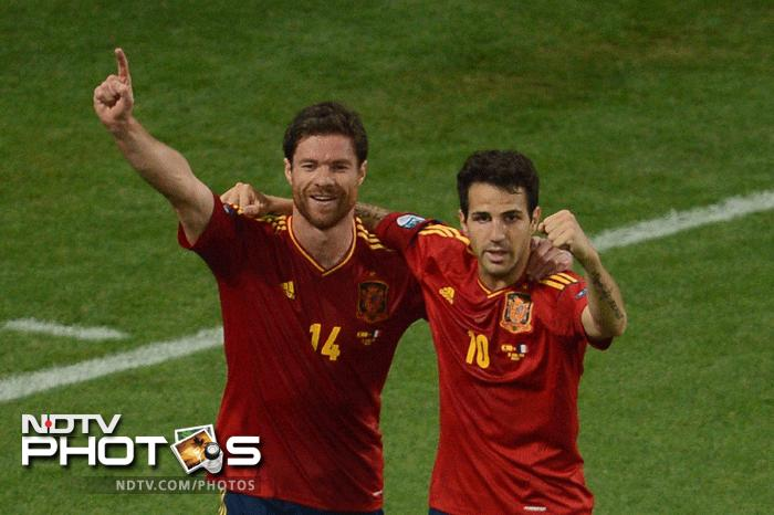 A brace from Xabi Alonso ensured that Spain sealed a place in the last four after overcoming France in their quarter final clash. (AFP Photo)