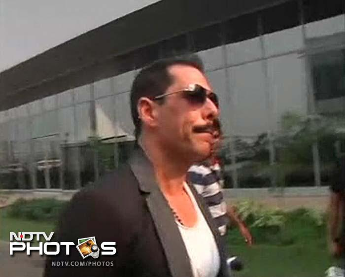 Robert Vadra was also seen at the track on race day.