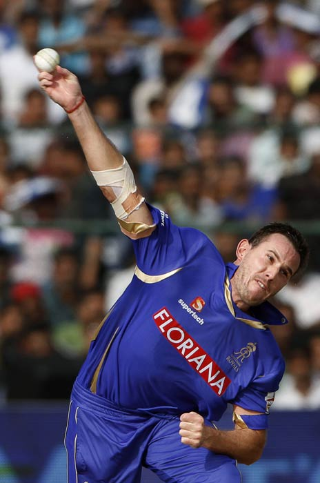 <b>Shaun Tait:</b> The Australian pacer matched Edwards during the IPL 4 match between Rajasthan Royals and Delhi Daredevils. He clocked 157.7 kmph in the first over. This was the fastest ball ever to be bowled in India. (AFP Photo)