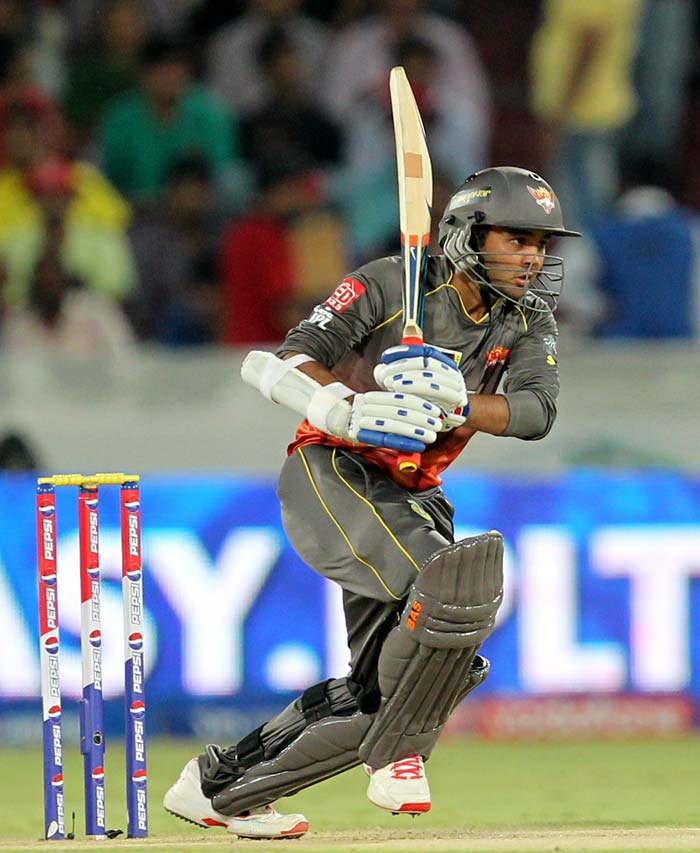 Parthiv Patel smashed 44 from 30 but wickets fell all around him as Hyderabad were left tottering at 64/5. (BCCI Image)