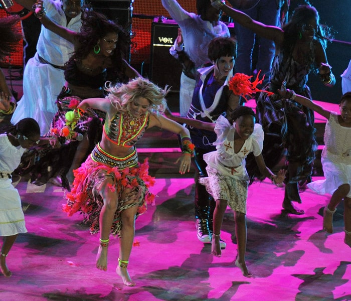 Colombian singer Shakira performs 2010 FIFA World Cup anthem Waka Waka during the closing ceremony prior to the 2010 World Cup football final. (AFP Photo)