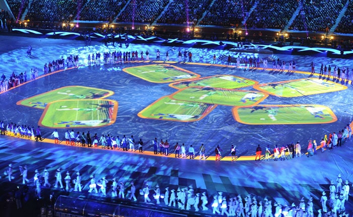 Some great projection magic set the Soccer City alive. (AFP Photo)