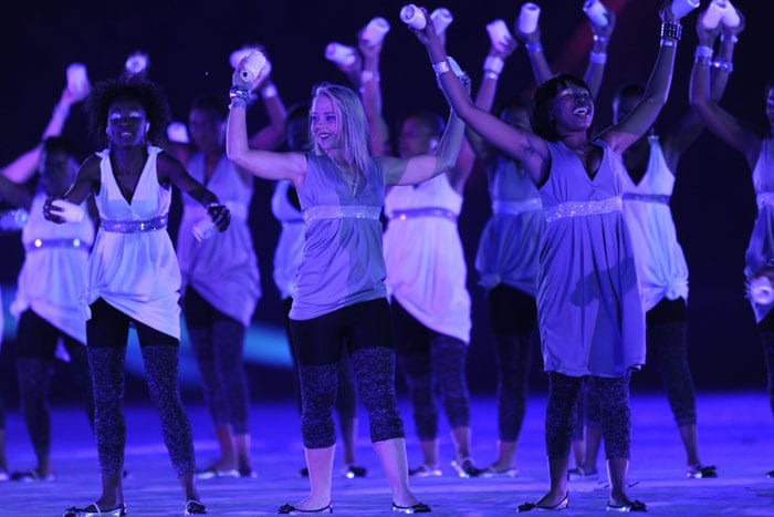 Artists perform during the closing ceremony. (AFP Photo)