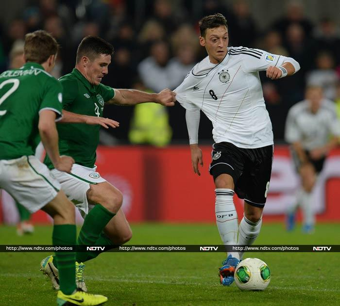 Germany booked their place at the 2014 World Cup with a convincing 3-0 win over the Republic of Ireland on Friday.