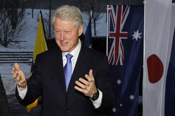 Former US president Bill Clinton was also there as a representative for his country. Australia, the United States, Qatar, Japan and South Korea bid for the 2022 World Cup. (AFP Photo)
