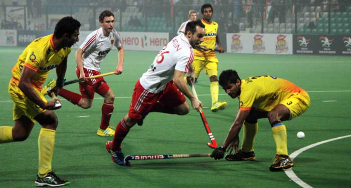 India dished out a poor performance to go down 2-0 to higher-ranked England and began their campaign on a losing note at the hockey World League Final.