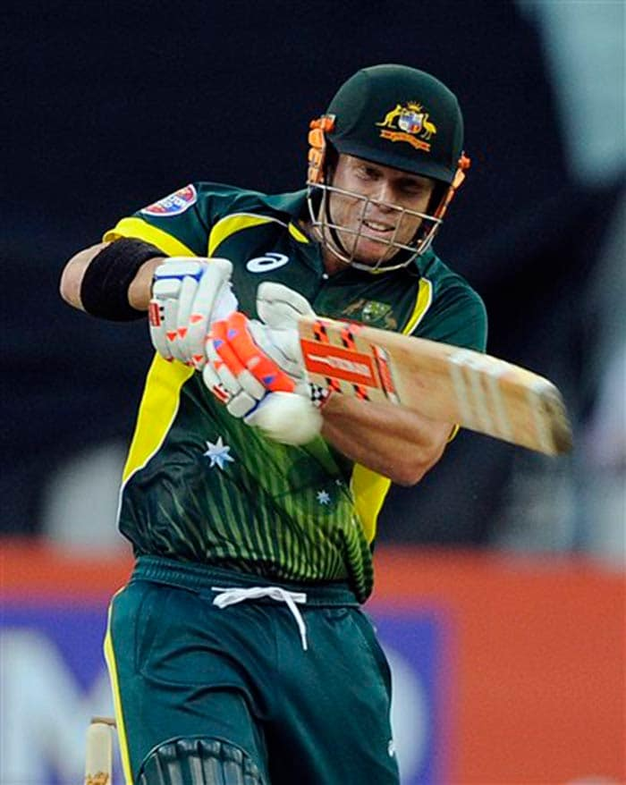 Warner continued his Ashes form to post a composed 65 as an all-pace England attack were driven to the ground.