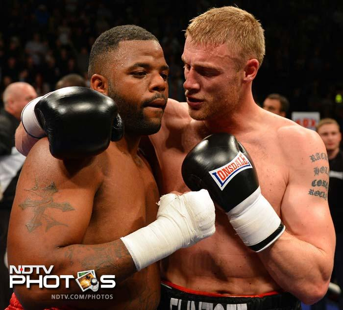 Former England cricketer Andrew Flintoff began his boxing career with a narrow victory over Richard Dawson after being knocked down by the American initially. (All AFP Photos and text)