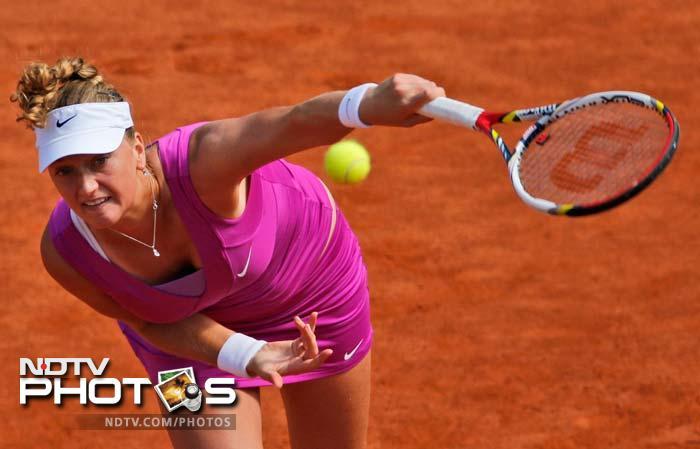 In other results, Wimbledon champion Petra Kvitova beats Russian Nina Bratchikova 6-2, 4-6, 6-1.