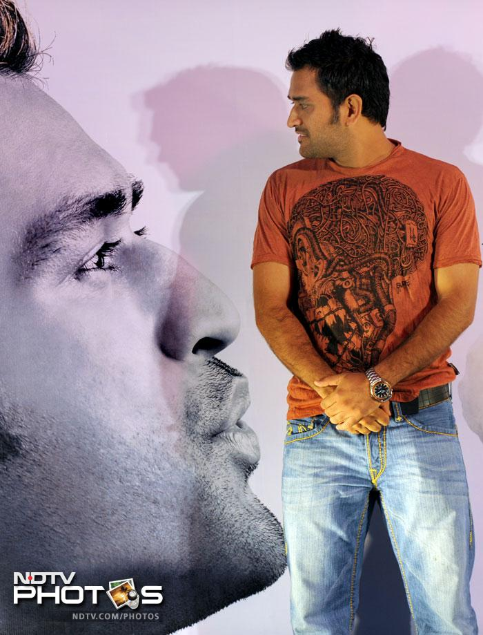 <b>1. </b>Indian cricket team skipper Mahendra Singh Dhoni leads the Forbes magazine's list of the highest earning cricketers. He is well ahead of Indian cricket's living legend Sachin Tendulkar. With earnings of USD two crore and 65 lakh, Dhoni features at the top of the list, out of which USD two crore 30 lakh comes from the commercials, while the rest USD 35 lakh he earns from playing cricket. The top 10 includes six Indians and four Australians. (All AFP Photos) <br><br><b>Coming Up:</b> The other cricketers in the list