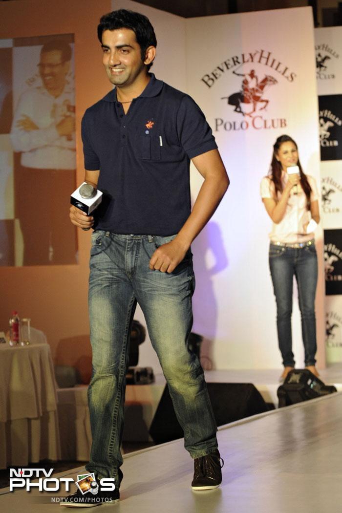 <b>3. </b> Stylish Indian opening batsman Gautam Gambhir, with USD 73 lakh, is the third on the list.