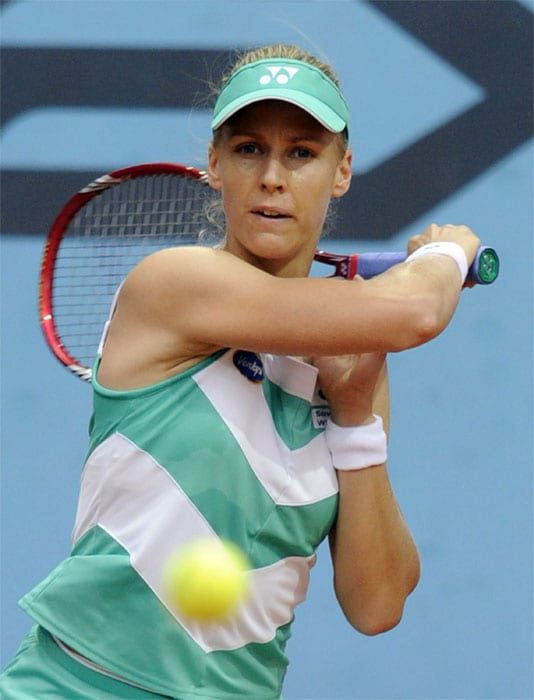 """<b>ELENA DEMENTIEVA</b> (RUSSIA)<br/><br/> <b>World ranking</b>: 5<br/> <b>Birthdate</b>: Oct 15, 1981<br/> <b>Birthplace</b>: Moscow, Russia<br/> <b>Residence</b>: Monte Carlo, Monaco<br/> <b>Height</b>: 5'11"""" (180 cm)<br/> <b>Weight</b>: 141 lbs (64 kg)<br/> <b>Plays</b>: Right-handed (two-handed backhand)<br/> <b>Turned pro</b>: 1998<br/> <b>Career singles titles</b>: 16<br/> <b>Grand Slam singles titles</b>: 0<br/> <b>Career prize money</b>: 13,348,839<br/> <b>Best French Open result</b>: Runner-up (2004)<br/> - Despite being a top-ten player since 2003, the tall Russian has not appeared in a Grand Slam final since the 2004 French Open.Still she remains one of the most consistent performers on the women's circuit and reached three finals early in the year winning in Sydney,Recent form has been poor though going out early in Rome and Madrid."""