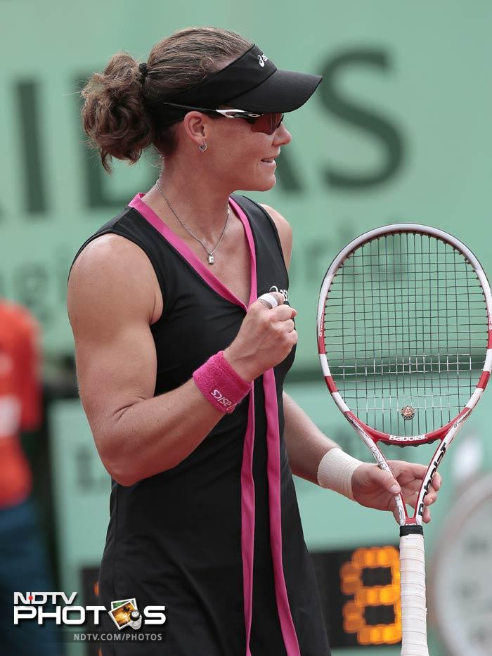 Sixth seed Samantha Stosur reached the last 16 of the French Open by defeating an erratic Nadia Petrova of Russia 6-3, 6-3.