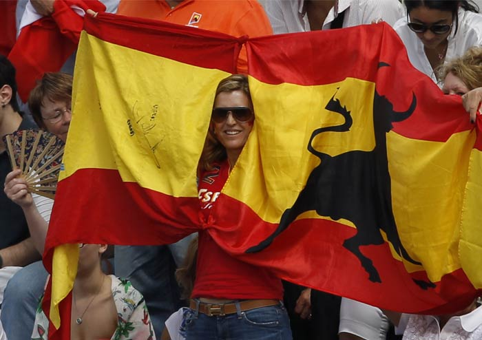 It was now the turn of the Spanish fans to bring out their flags and cheer for their hero who looked unstoppable and seemed to have finally come to his famed fame on clay.