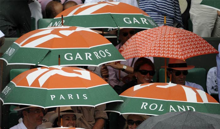The third set was fought equally hard by both players but there was a small interval as the skies opened up briefly.