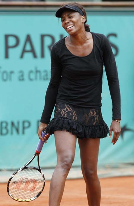 Number 2 seed Venus Williams lost in straight sets 6-4, 6-3 to Russian Nadia Petrova in the third round. Last year too Venus could not make it past the third round where she lost to little known Agnes Svazay. (AFP PHOTO)