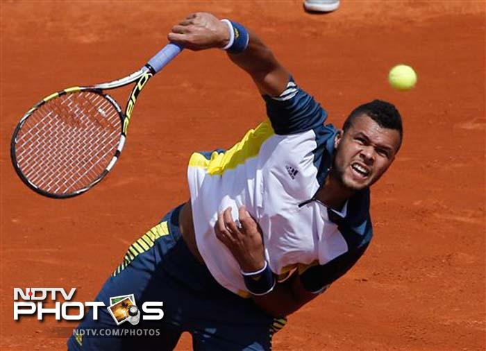 Sixth seed Jo-Wilfried Tsonga brushed aside Aljaz Bedene 6-2 6-2 6-3 to advance to next round at the Roland Garros
