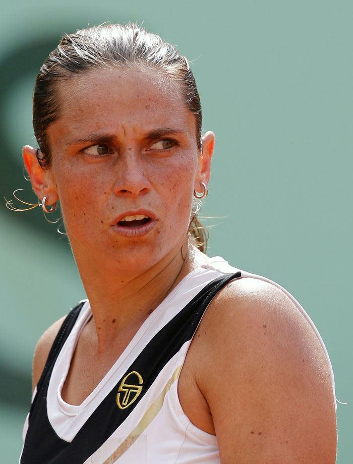 Italia's Roberta Vinci reacts during a match with France's Iryna Bremond. (AFP Photo)