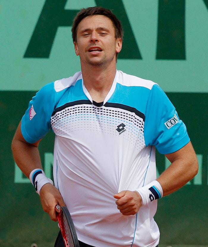 Robin Soderling stayed on course for yet another excellent French Open outing as he steamrolled Spain's Albert Ramos-Vinolas. (AFP Photo)
