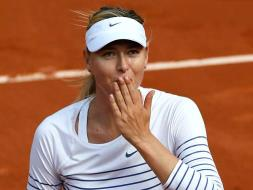 Photo : French Open Diary: Colourful Federer Dazzles, Sharapova Sizzles