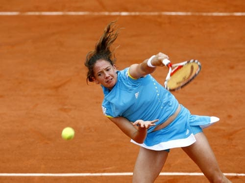 Switzerland's Patty Schnyder serves the ball to Russia's Ekaterina Bychkova during their first round match at the French Open tennis tournament in Paris on Monday May 26, 2008.