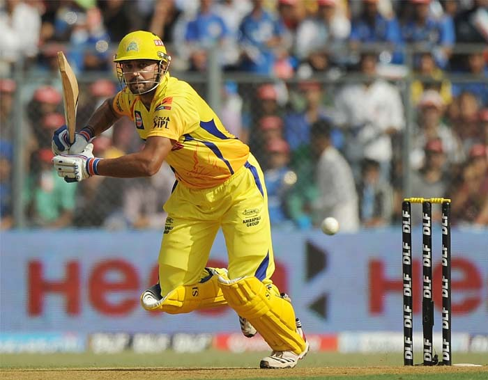 Murali Vijay got Chennai Super Kings off to a brisk start. Vijay seemed in fluent touch, reminiscent of previous editions of the Indian Premier League. He scored 41 off 29 balls with 3 massive blows across the ropes. (AFP PHOTO/Punit PARANJPE)