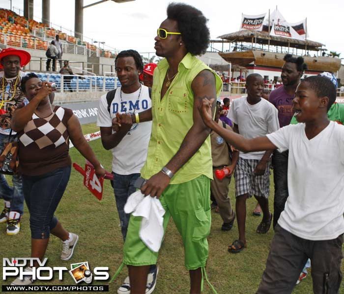 Chris Gayle made an appearance at Kingston to watch the 5th ODI between India and West Indies, his home ground despite wide speculation of heated exchanges with the West Indies Cricket Board.<br><br>The IPL's leading scorer was kept out of the West Indies side for all 5 ODIs following a spat with the Board.