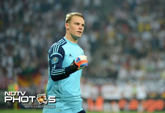 And Silvestre Varela shot straight at Germany goalkeeper Manuel Neuer from close range in the 89th.