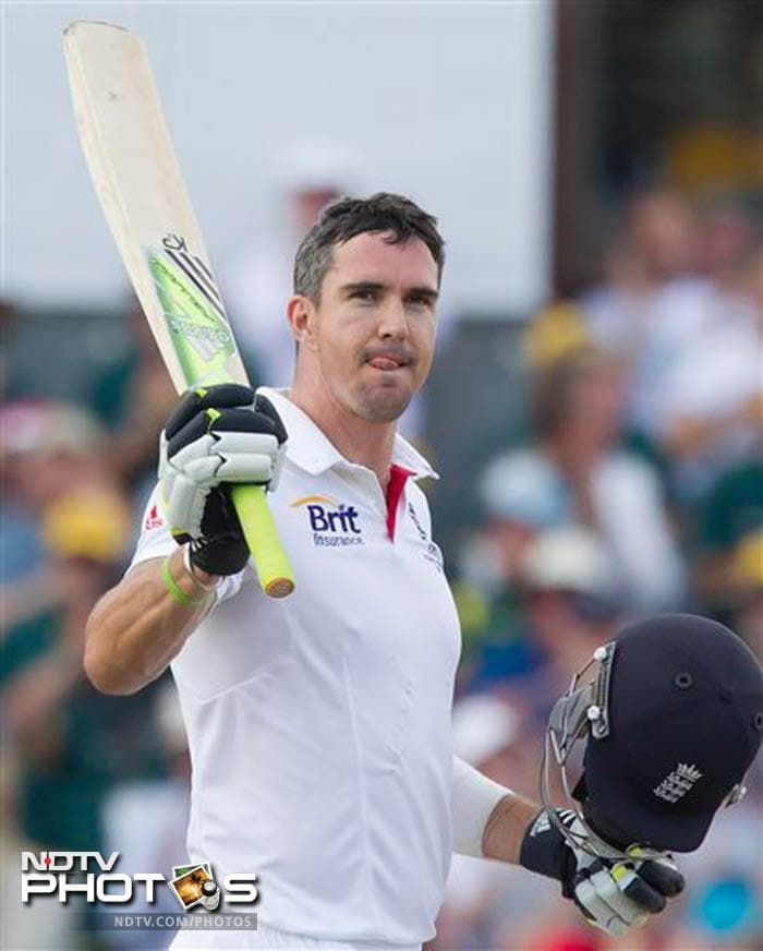 Pietersen's 206-ball 113 gave England some respectability as Australia go for the kill in the last 2 days of the match.