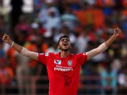 IPL: Axar Patel Hat-Trick Sinks Gujarat Lions, Kings XI Punjab Seal Important Win