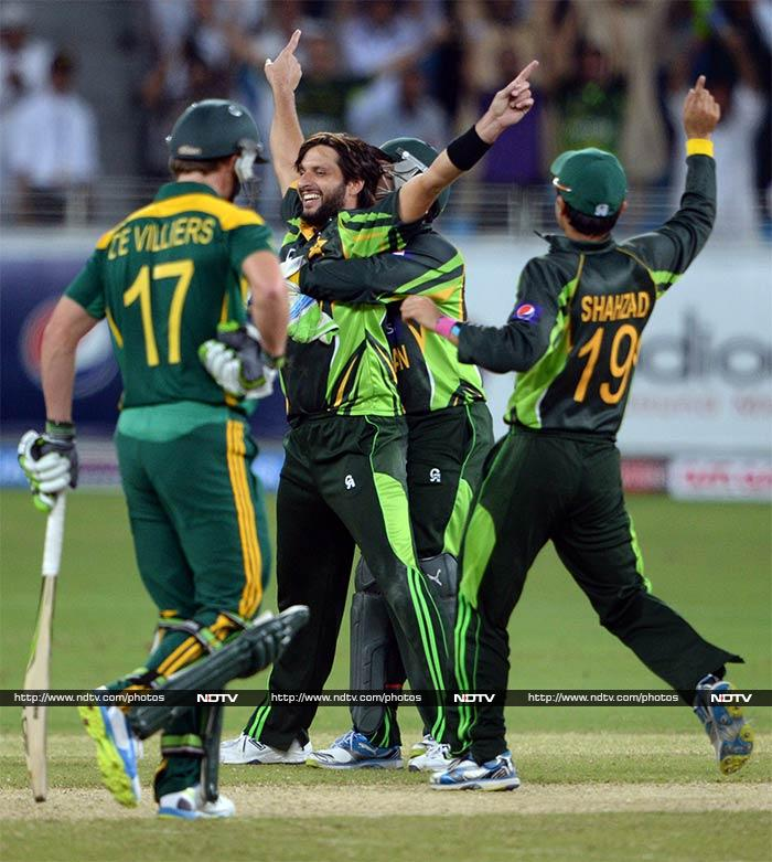 Shahid Afridi came to the party yet again and scalped 3/26 as South Africa were bundled out for 143. Pakistan won by 66 runs to level the five-match series 1-1.